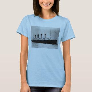 Passenger Liner Steamship RMS Titanic T-Shirt