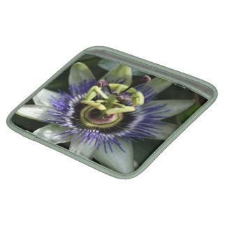 Passiflora - Fleur de la Passion iPad Sleeve