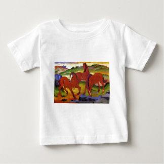 Pastando caballos IV (los caballos rojos) por Playera De Bebé