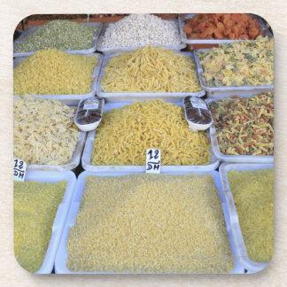 Pastas, cereal, cesta, comida italiana, mercado posavasos