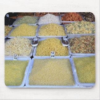 Pastas, cereal, cesta, comida italiana, mercado tapete de raton