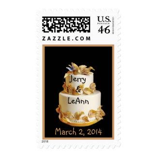 Pastel de bodas arreglado oro