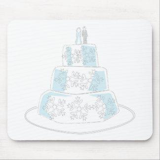 Pastel de bodas con gradas tres con el ajuste del alfombrilla de raton