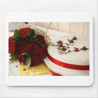 Pastel de bodas rojo y blanco tapetes de ratones