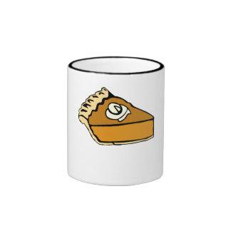 Pastel de calabaza con crema azotada tazas de café