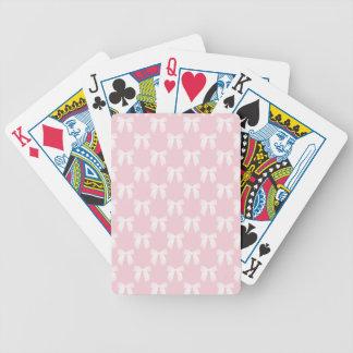 Pastel de los rosas bebés con los arcos blancos baraja cartas de poker