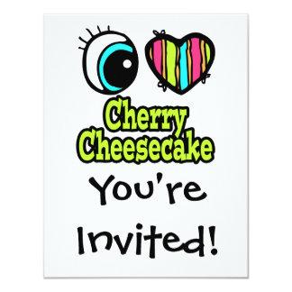 """Pastel de queso brillante de la cereza del amor invitación 4.25"""" x 5.5"""""""