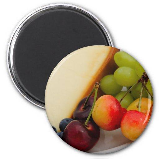 Pastel de queso con la fruta imán redondo 5 cm