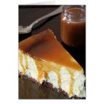Pastel de queso de la almohada y salsa salada del  felicitación