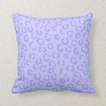 Pastel Lilac Purple Leopard Print Pattern. Pillows