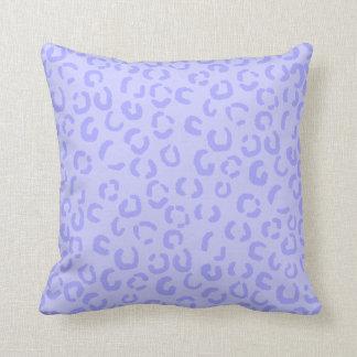 Pastel Lilac Purple Leopard Print Pattern. Throw Pillow