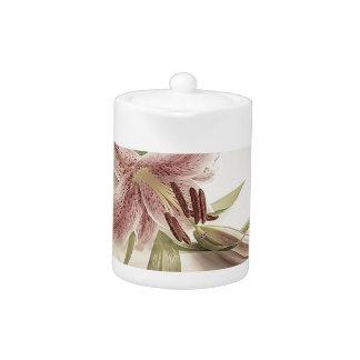 Pastel Lilly. Teapot