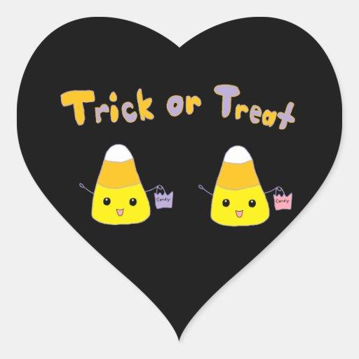 Pastillas de caramelo del truco o de la invitación pegatina en forma de corazón