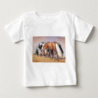 Pasto de caballos playera de bebé