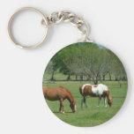 Pasto de escena de los caballos llavero personalizado