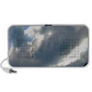 Pasto nublado del cielo iPhone altavoz