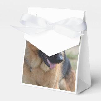 Pastor alemán adorable caja para regalos de fiestas