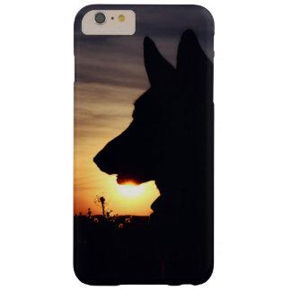 Pastor alemán hermoso en la puesta del sol funda barely there iPhone 6 plus