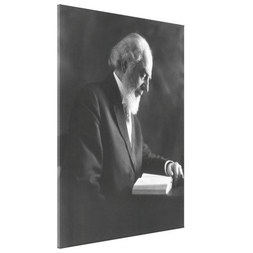 Pastor Charles Taze Russell que lee la biblia Lienzo Envuelto Para Galerías