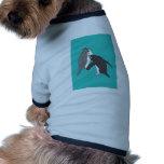 Pastos azules y brillantes camisetas de perro