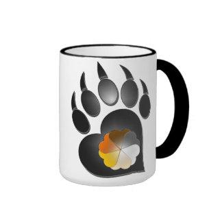 Pata del corazón del orgullo del oso taza a dos colores