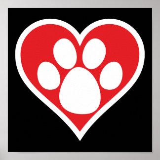 Pata del perro del corazón (oscura) posters