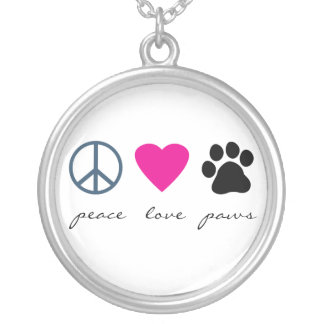 Patas del amor de la paz collar