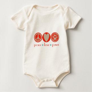 Patas del amor de la paz mamelucos de bebé