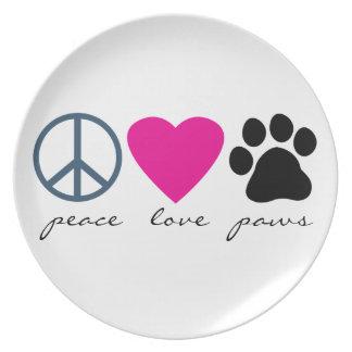 Patas del amor de la paz plato de cena