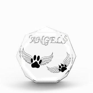 Patas del mascota del ángel