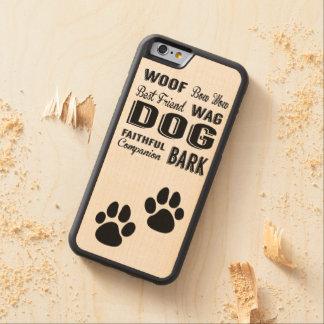 Patas del perro y caja del teléfono del arte del