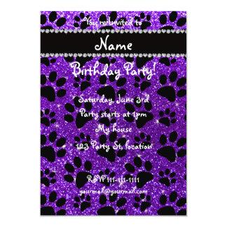 """Patas púrpuras del perro negro del brillo del añil invitación 5"""" x 7"""""""