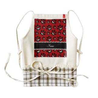 Patas rojas conocidas personalizadas del perro de delantal zazzle HEART