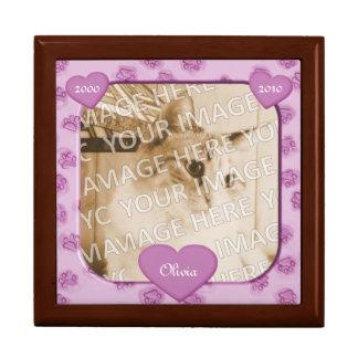 Patas rosadas y caja conmemorativa del recuerdo de caja de recuerdo