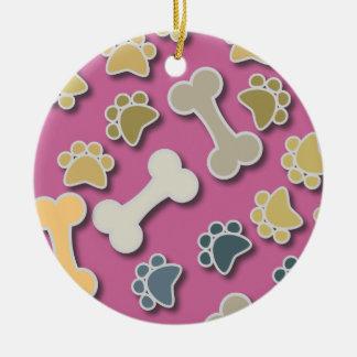 Patas y ornamento redondo rosado de los huesos adorno navideño redondo de cerámica