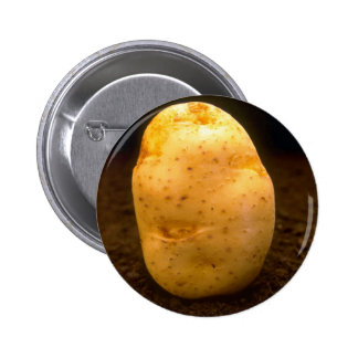 Patata en la suciedad pin redondo de 2 pulgadas