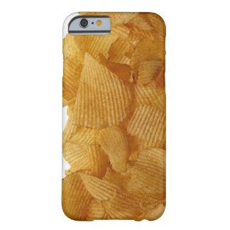 Patatas a la inglesa de patata en el fondo blanco, funda para iPhone 6 barely there