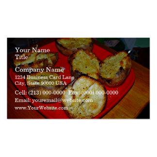 Patatas cocidas en la placa plástica roja plantillas de tarjeta de negocio