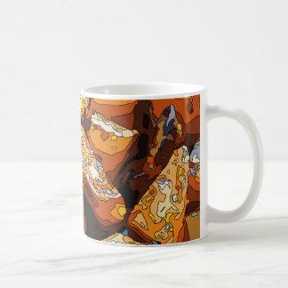 Patatas dulces y pasas cocidas sabrosas tazas de café