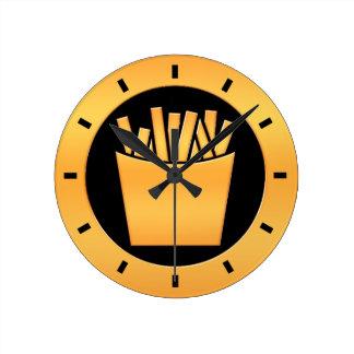 Patatas fritas de oro reloj redondo mediano