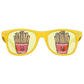 Patatas fritas felices gafas de sol