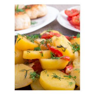 Patatas guisadas con el primer del paprika tarjetas postales