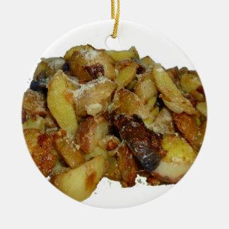 patatas y cebollas fritas con cheese.jpg adorno redondo de cerámica