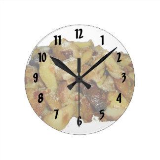 patatas y cebollas fritas con cheese.jpg reloj redondo mediano