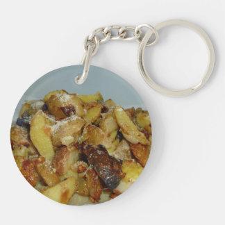patatas y cebollas fritas con el queso 2 llavero redondo acrílico a doble cara