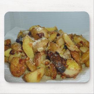 patatas y cebollas fritas con el queso 2 tapetes de ratones