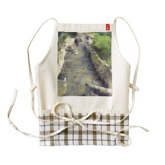 Pathway on the Great wall of China Zazzle HEART Apron