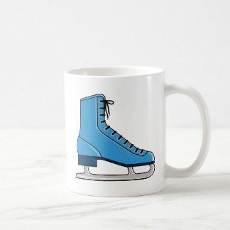 Patín de hielo azul taza clásica
