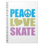 Patín del amor de la paz libreta espiral