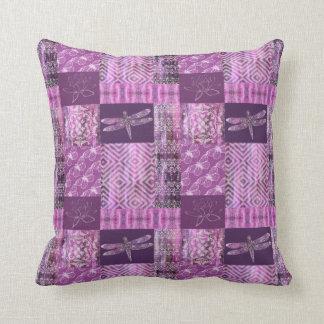 Pátina púrpura: Mosaico Almohada